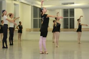 Moscow Ballet teacher Svetlana Todinova demonstrating for advanced students